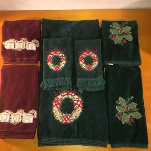 Set of holiday Christmas decorative towels